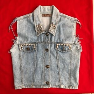 Retro | Vintage Studded Light Wash Denim Vest